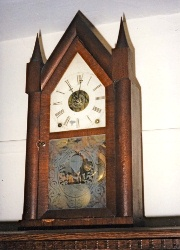 19th century Gothic style mantle clock