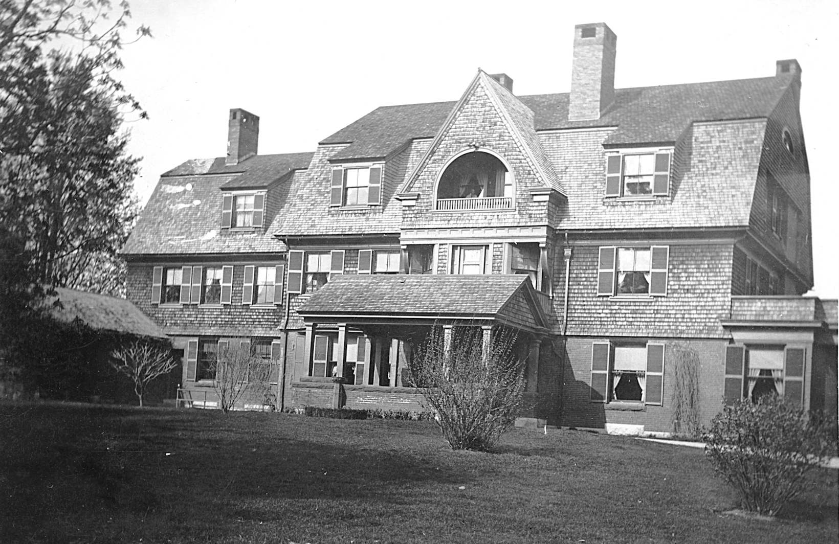 old black and white photo of Case House